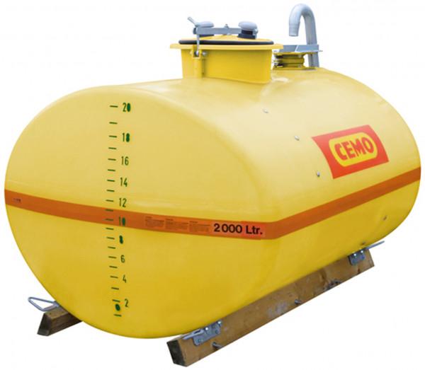Beispiel GFK-Fass 2000 Liter mit Holzkufen Dom mittig mit C-Füllanschluss